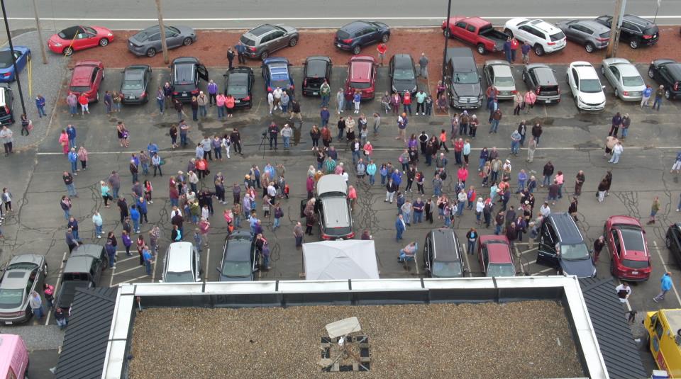 Image of Crowd at Kia